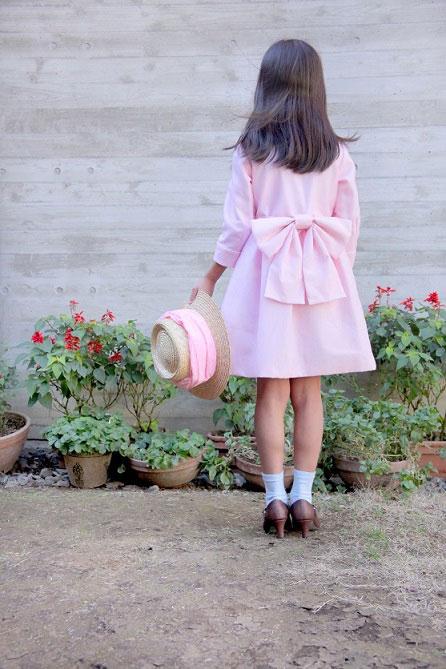 「バラと少女」のワンピース
